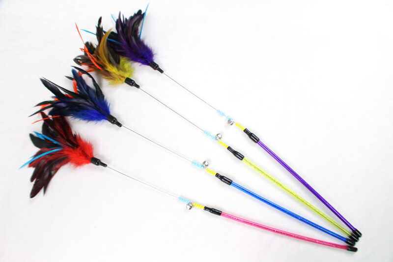 Flexible Steel Wire Pole with Colorful Feathers Funny Cat Teaser