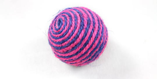2-Tone Sisal Ball Cat Toy